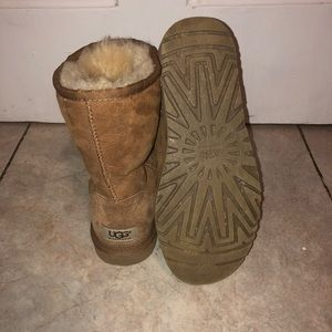 UGG Shoes - Classic Short UGG's